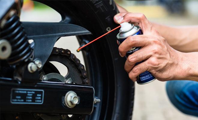 wd40 motorcycle chain ¿Cómo limpiar una motocicleta?